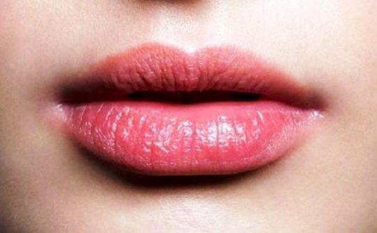 Solusi Cara Mengatasi Bibir Kering